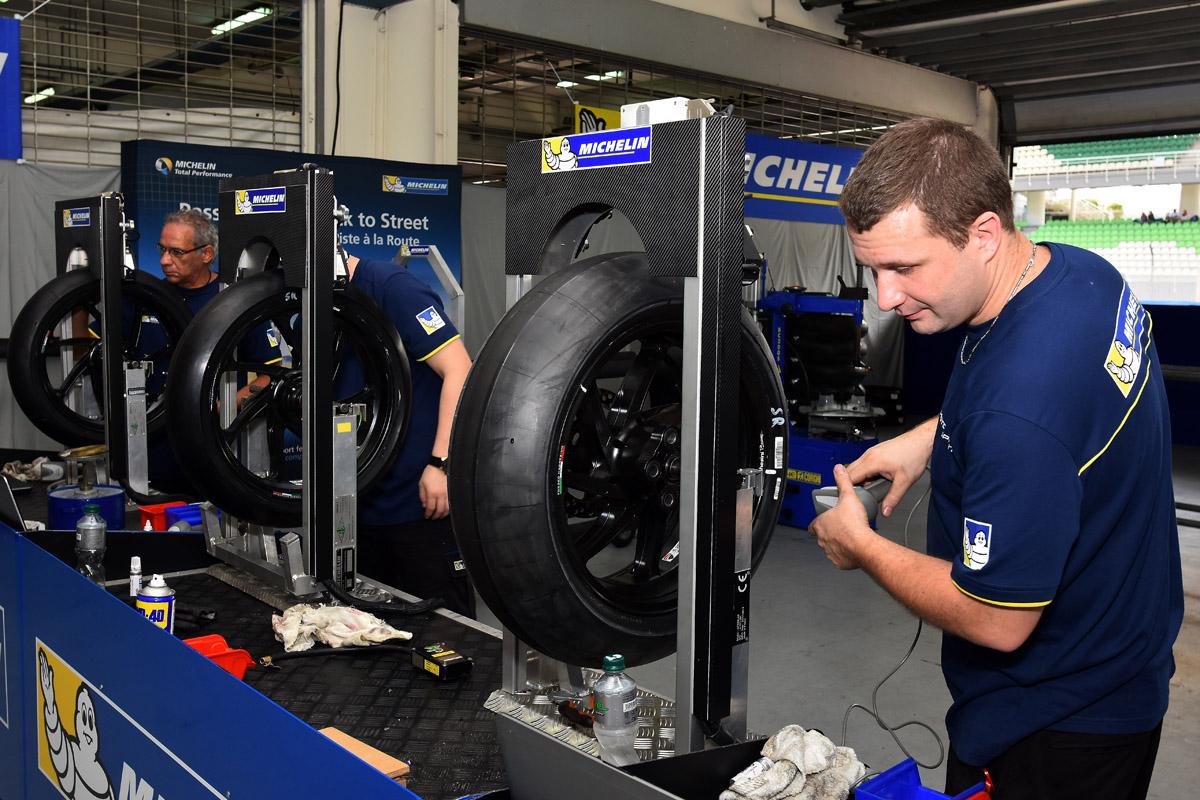 MotoGP 全都使用機械式的輪胎平衡。