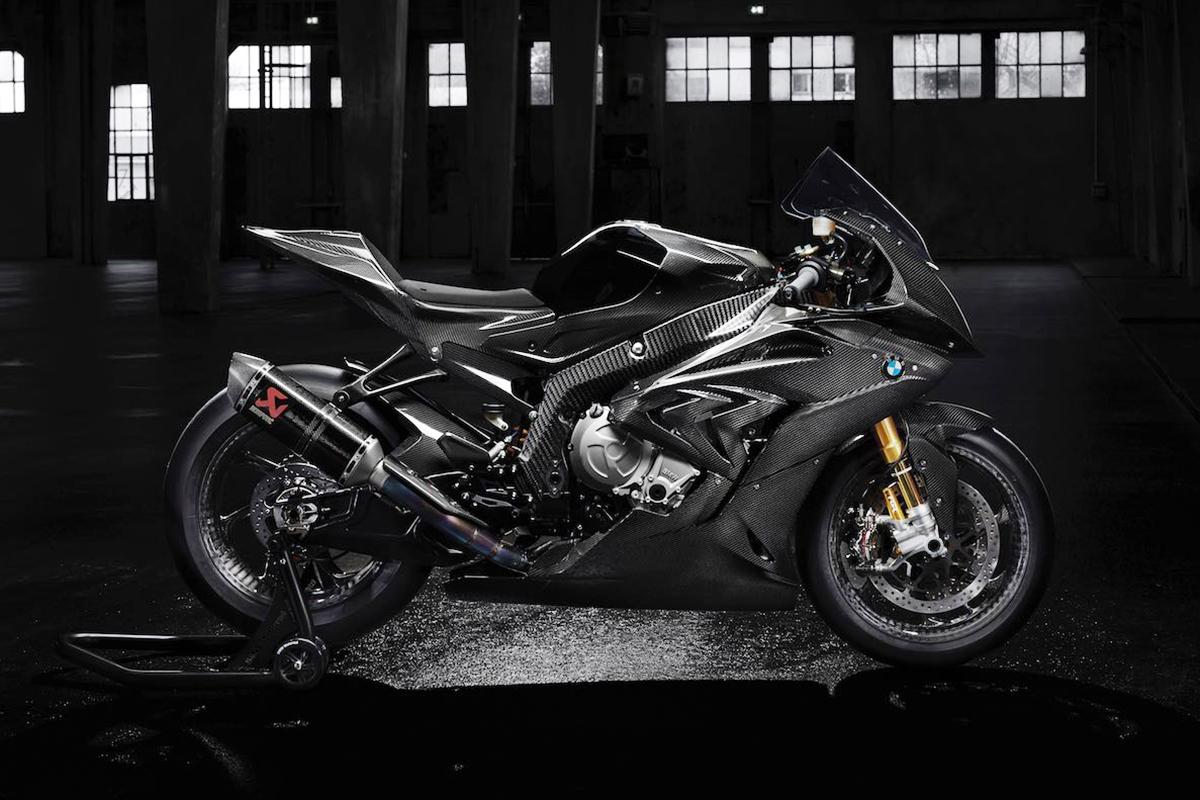 2017-bmw-hp4-race-motorcycle-photos-1
