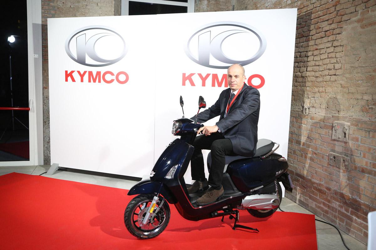 其他各國媒體經銷商也都對KYMCO 的NOODUE 展現高度興趣。