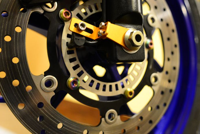 裝配在輪上的TCS 感測器。