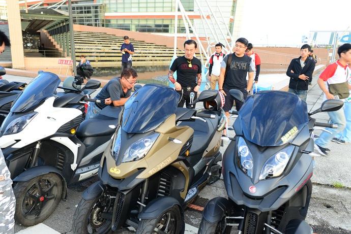 這台軍綠色的3D-350,便是由藝人陳為民所騎乘,將跟車友一起騎到台南參與整場活動!