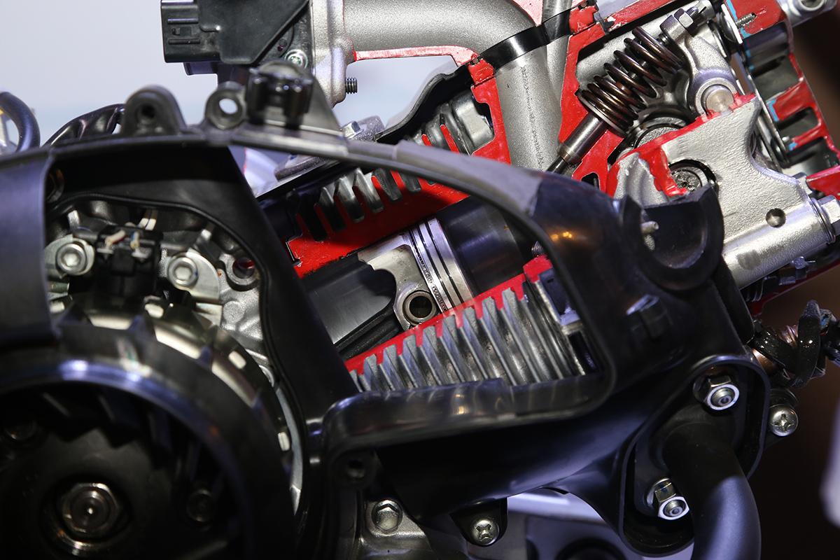 使用高矽鋁合金氣缸與高壓縮比設計