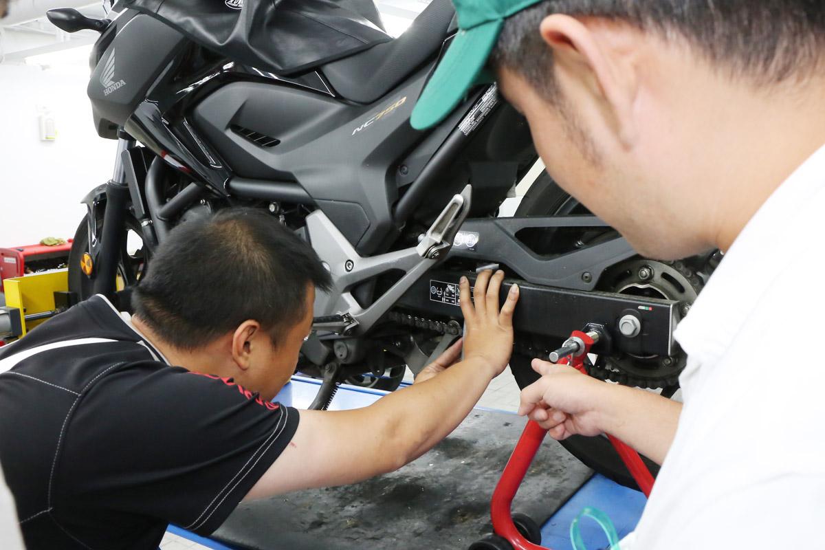 鍊條一直是台灣車主最常忽略的,為了提醒車主,HONDA時常會安排健檢活動。