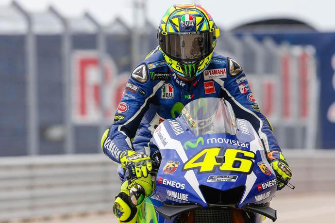 Rossi 也點出米其林胎的特性,不能失誤,但也表示很米其林胎相當好騎。