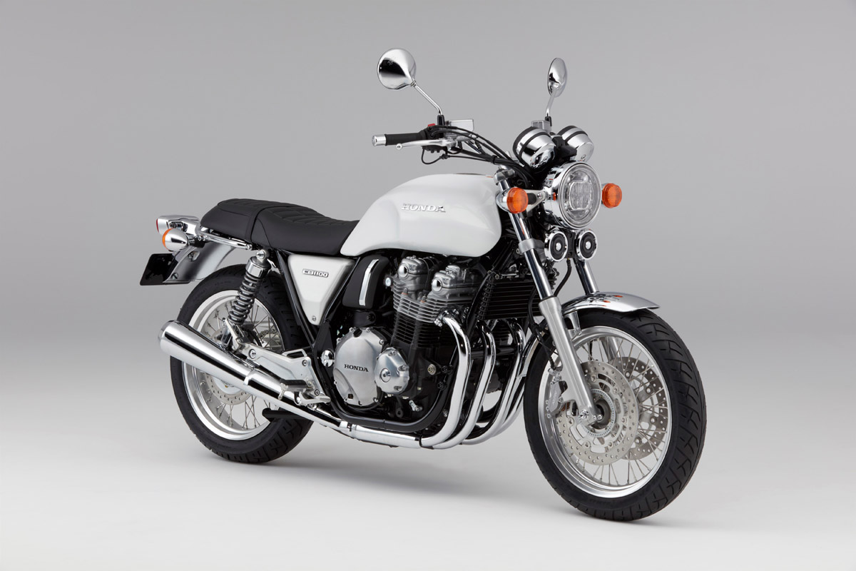 引擎採用雙色處理,並以大圓方向燈、電鍍版件向經典致敬。