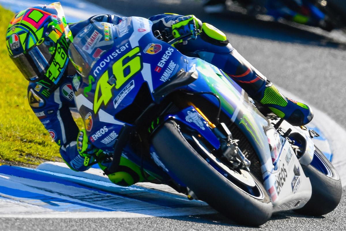 隨著Marquez 越來越遠,Rossi 也心急了。