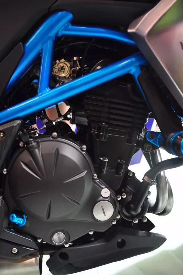 引擎看來也與KAWASAKI Ninja 400 相同(光陽提供)。