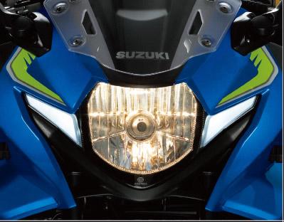 H4 頭燈搭配兩旁LED 定位燈,完美表現出GSX-R 家族特色。